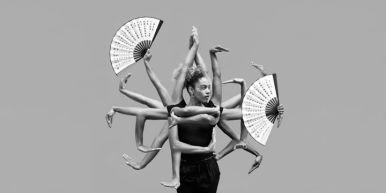"""August 7-11: Voguing Styles - Summer Intensive Week mit Mother Leo Melody Mo - Fr von 14:00 - 16:00 Uhr Die Voguing-Sommerintensivwoche bei Leo Melody richtet sich an Anfänger mit und ohne Vorkenntnisse. 5 Tage lang wird die Gründerin und Mother des """"House of Melody"""" euch in die verschiedenen Stilrichtungen des Vogue Dance einführen wie Runway, Old Way, New Way und Vogue Fem. PREISE Regulär: 135€ Early Bird: 115€ (bis 15.07.2017) Für Motion*s Vertragsmitglieder gelten folgende Preise bei Anmeldung und Bezahlung nur bar im Studio: Regulär: 115€ Early Bird: 100€ (bis 15.07.2017) Mehr Infos unter: https://www.motionsberlin.de/summerintensive2017"""